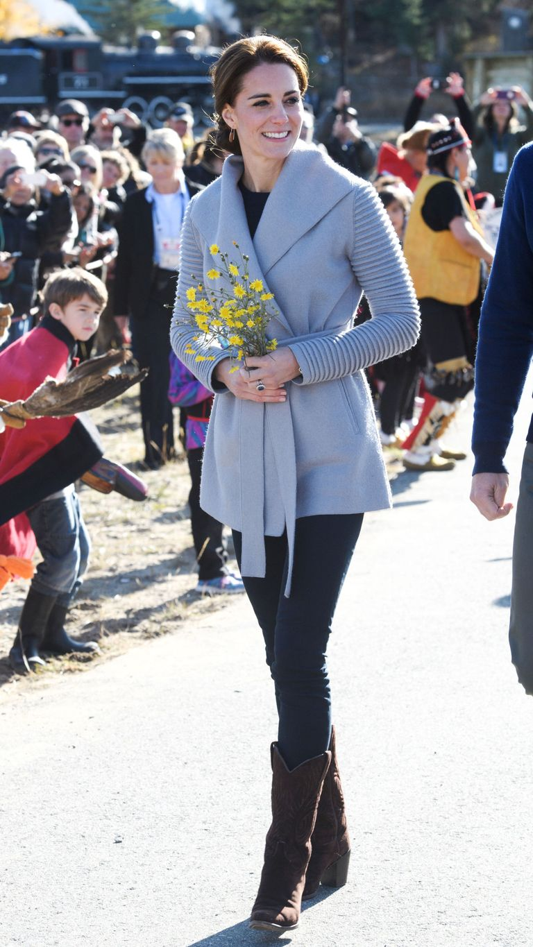 Kate Middleton Wears Jade Dress to Continues Canada Tour