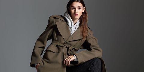 Brown, Sleeve, Human body, Shoulder, Textile, Collar, Joint, Outerwear, Khaki, Jacket,