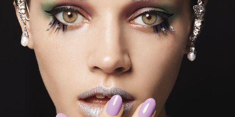 Finger, Lip, Hairstyle, Skin, Forehead, Eyelash, Eyebrow, Nail, Fashion accessory, Style,