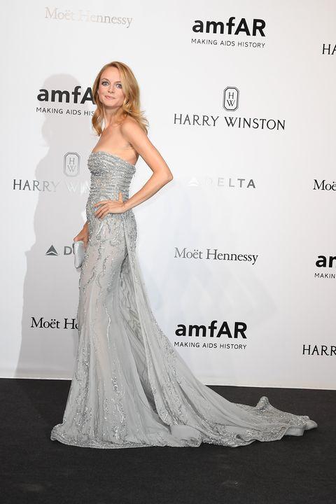 Clothing, Human, Dress, Shoulder, Gown, Formal wear, Waist, Flooring, Style, Fashion model,