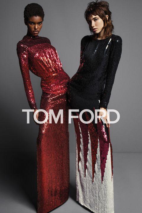 Sleeve, Shoulder, Red, Waist, Formal wear, Style, Pattern, Bag, Fashion, Neck,