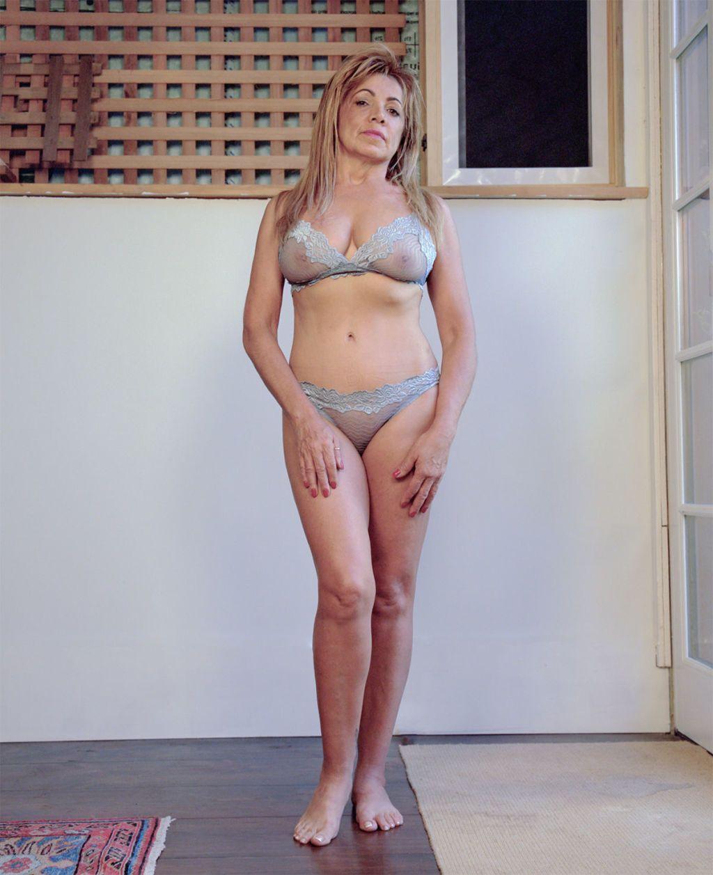 Women in lingerie pics
