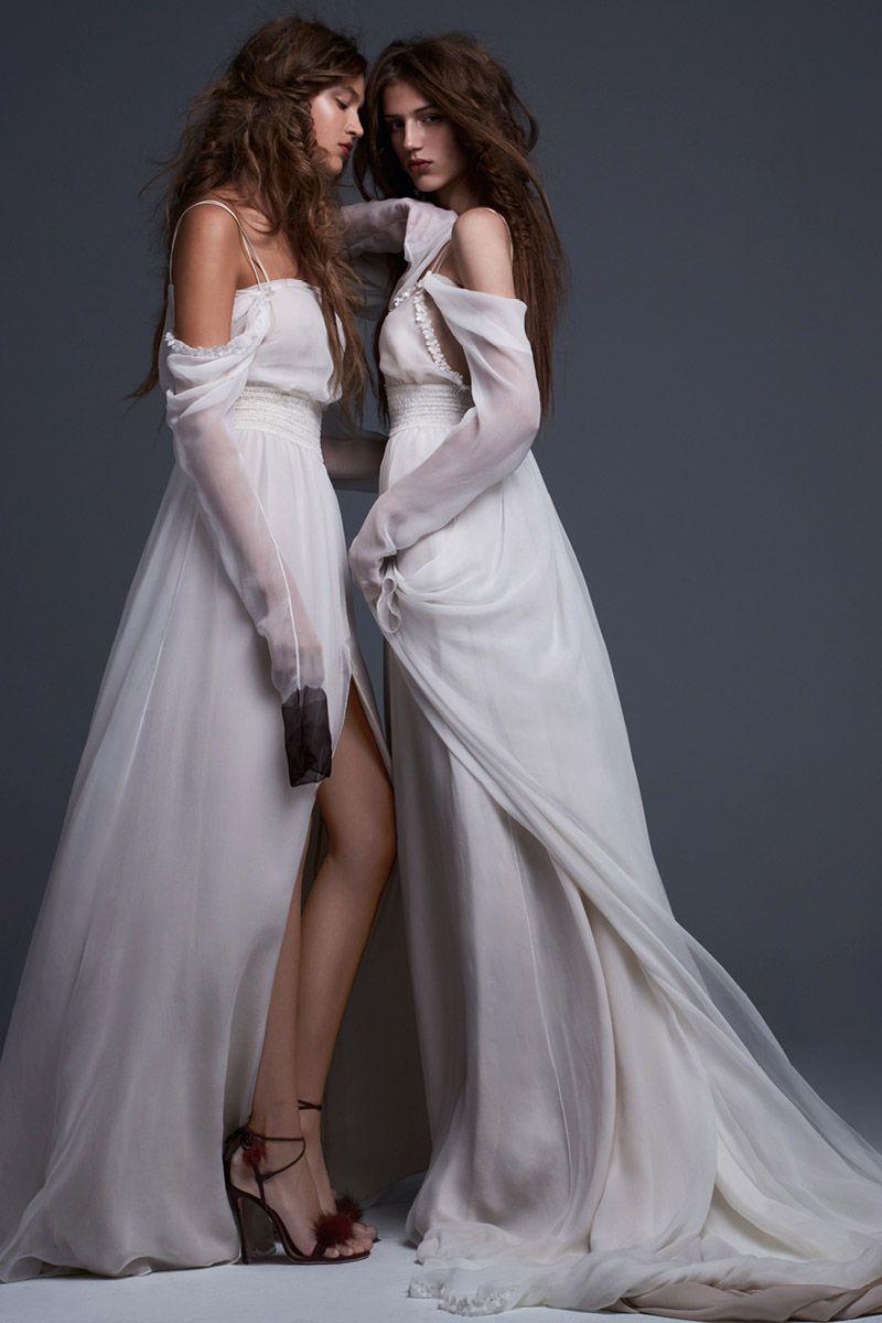 71cdae4acfbe0 17 Vera Wang Fall 2017 Wedding Dresses - See Entire Vera Wang Bridal  Collection