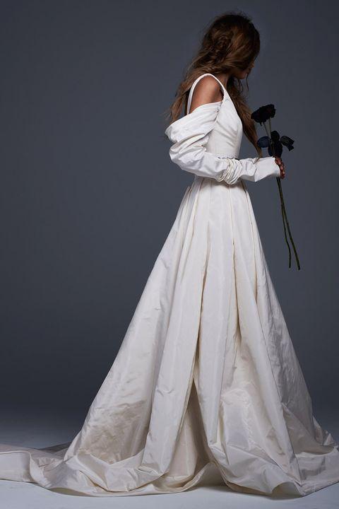 Clothing, Dress, Shoulder, Formal wear, Bridal clothing, Gown, One-piece garment, Wedding dress, Fashion, Day dress,