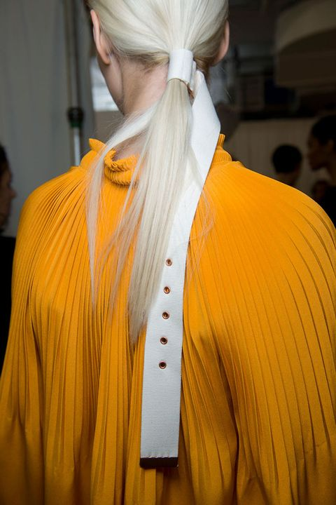 hbz-the-list-best-hair-accessories-16-Tibi bks V RS17 6620