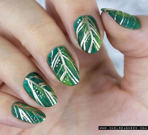 """<p>Hand painted leaves remind us of gorgeous green and gold wreaths.</p><p><a href=""""https://www.instagram.com/chelseaqueen/?hl=en"""" target=""""_blank"""" data-tracking-id=""""recirc-text-link""""><em data-redactor-tag=""""em"""" data-verified=""""redactor"""">@chelseaqueen</em></a></p>"""