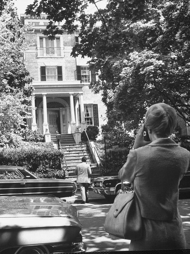 See Inside the Mansion Jackie O Lived in After JFK's Death