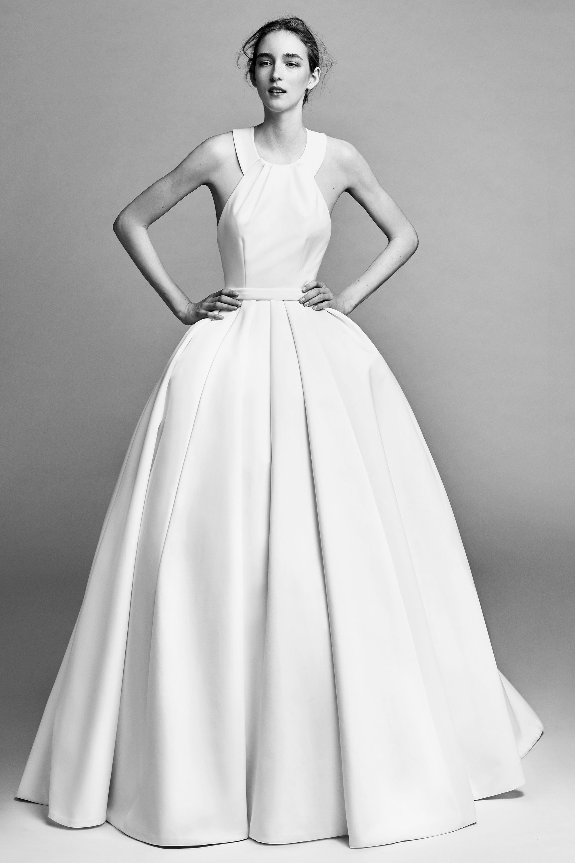 Viktor Rolf Debuts a Full Bridal Collection for Fall 2019 forecast