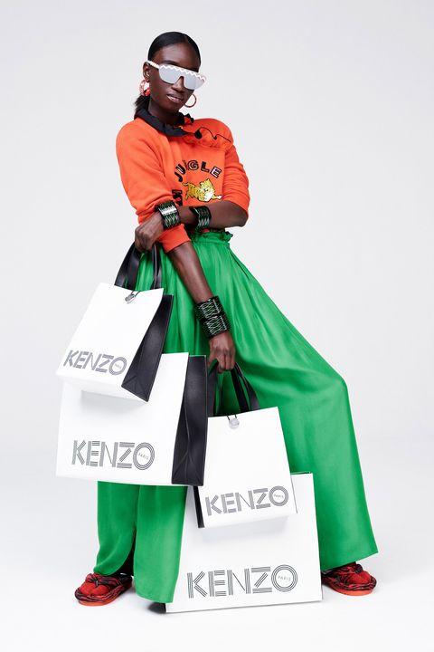 Sleeve, Costume accessory, Costume, Costume design, Bag, Costume hat, Fashion design, Glove,