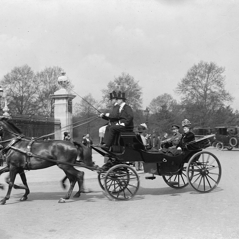 "<p>Queen Mary and King George V leaves <a href=""http://www.townandcountrymag.com/society/tradition/news/a7820/tour-buckingham-palace/"" target=""_blank"" data-tracking-id=""recirc-text-link"">Buckingham Palace</a>.&nbsp&#x3B;<span class=""redactor-invisible-space"" data-verified=""redactor"" data-redactor-tag=""span"" data-redactor-class=""redactor-invisible-space""></span></p>"