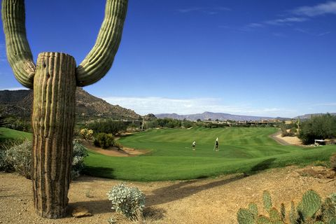 "<p>        Natural resplendence meets New Age living at The Boulders Resort nestled in the foothills of the Sonoran Desert. Here, you'll stay in adobe casitas, suites, and haciendas jutting from the rocks, spending your days <a href=""http://www.theboulders.com/play/world-class-golf/"">on the green</a>, <a href=""http://www.theboulders.com/spa-at-the-boulders"">at the spa</a>, or beside the pool&nbsp;with a margarita in hand.  <span class=""redactor-invisible-space"" data-verified=""redactor"" data-redactor-tag=""span"" data-redactor-class=""redactor-invisible-space""></span></p>"
