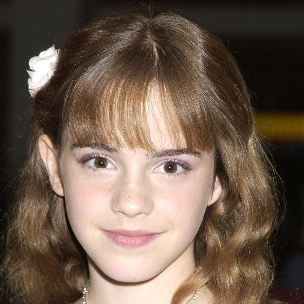 <p>Back in 2002, Hermione Granger and Watson shared the same hairstyle—wispy bangs and natural curls.</p>