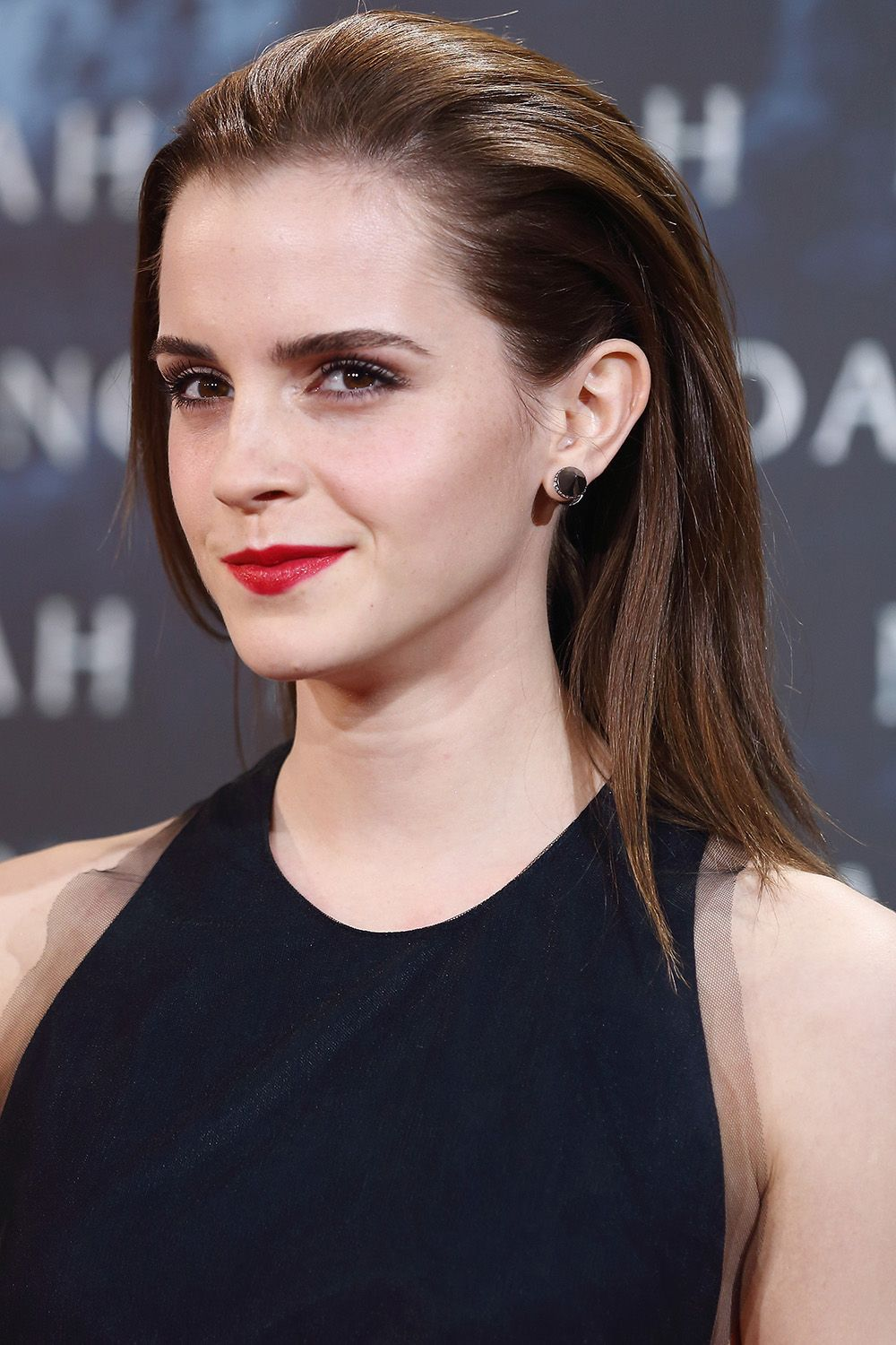 emma watson's best hairstyles - emma watson haircuts and hair color