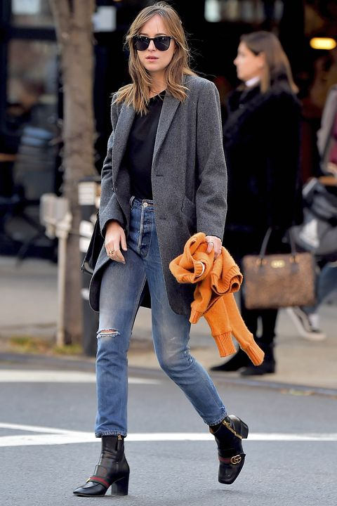 Clothing, Eyewear, Leg, Vision care, Brown, Trousers, Textile, Sunglasses, Denim, Bag,