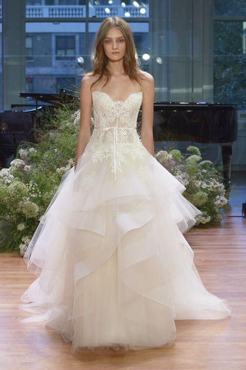 23 Monique Lhuillier Fall 2017 Wedding Dresses - See the Monique ...