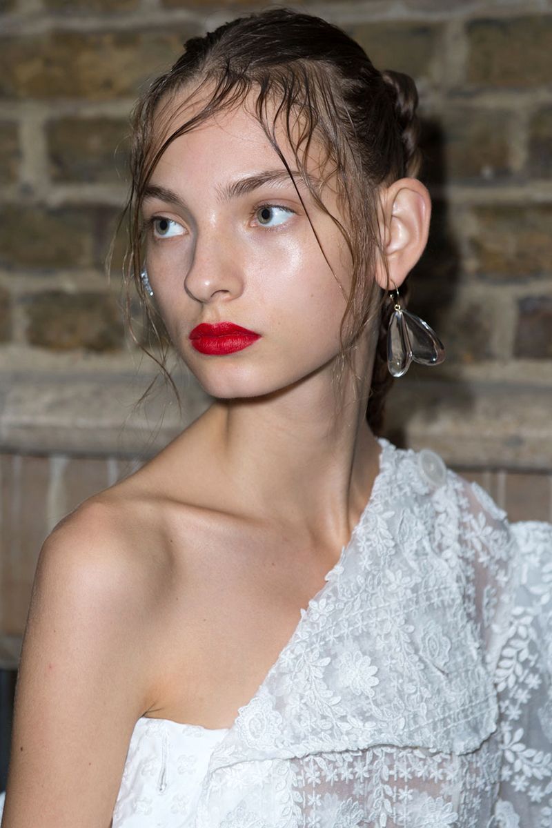 The Best Makeup Trends For Spring 2017 Backstage Beauty Jill Lip Matte 04 Rosy Blush