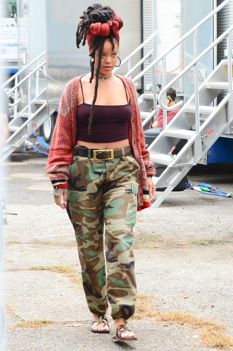 Camouflage, Military camouflage, Khaki, Style, Waist, Bag, Street fashion, Fashion, Headpiece, Beige,