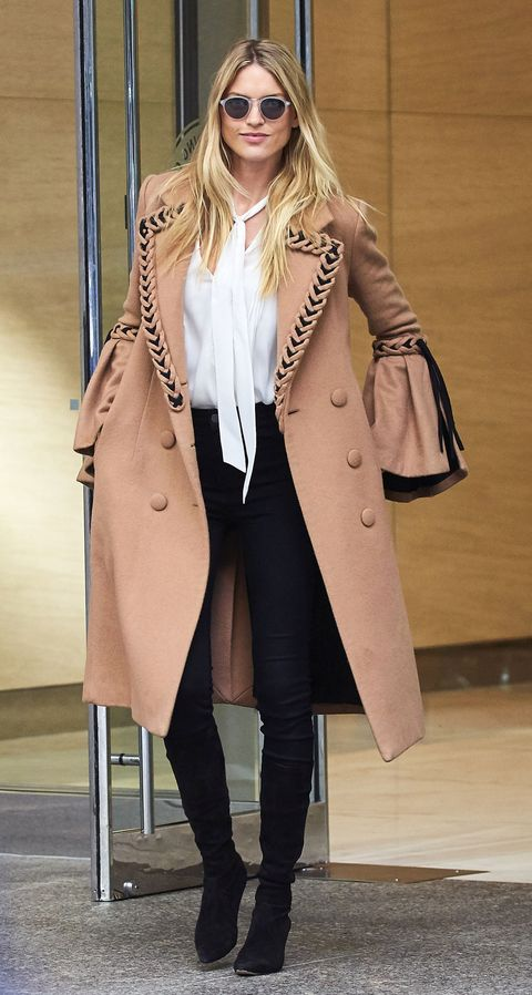 Clothing, Eyewear, Coat, Brown, Sleeve, Collar, Sunglasses, Goggles, Outerwear, Style,