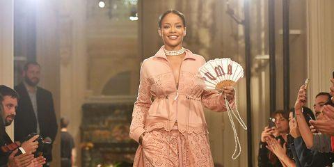 Hand fan, Decorative fan, Suit, Fashion, Victorian fashion, Costume design, Makeover, Embellishment, Opera,