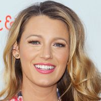 blake lively looks like she just stepped out of the sun thanks to - Honey Blonde Hair Colors