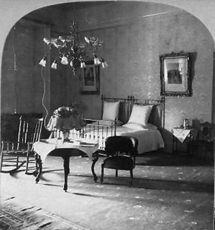 <p>Near the end of Harrison's service as the 23rd President from 1889 to 1893, the master bedroom featured what looks like two separate twin beds. Perhaps he and his first wife Caroline secretly shared the room.</p>