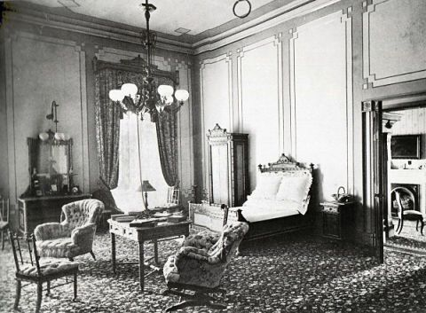 <p>When Hayes served as the 19th President of the United States from 1877 to 1881, the room was used for both sleeping and was connected to a separate sitting area.</p>  <p></p>