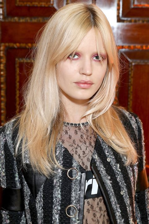 <p>Georgia May Jagger proves that pink makeup can be anything but sweet. With her shaggy haircut, minimal makeup, and smoky application—pink can even look punk.</p>