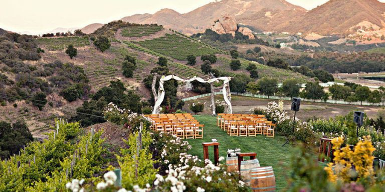 65 amazing wedding venues best places in the world to get married ranking right up there with engagement rings and bridal gowns browsing through venues is one of the most lust worthy parts of wedding planning junglespirit Gallery