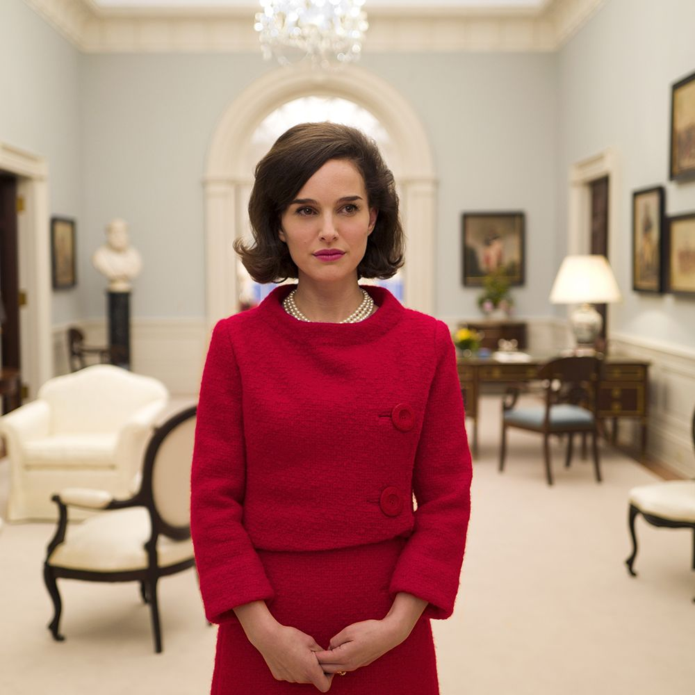 <p>Go inside the horror of the period following John F. Kennedy's assassination through the eyes of his grieving widow, Jackie (Natalie Portman) in this highly-anticipated biopic. </p>