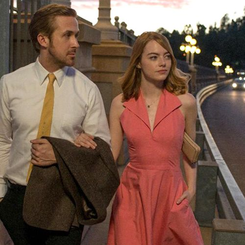 <p>An aspiring actress (Emma Stone) and a jazz musician (Ryan Gosling) meet and fall in love in cutthroat Los Angeles, but their newfound, separate career successes threaten to tear the relationship apart. </p>