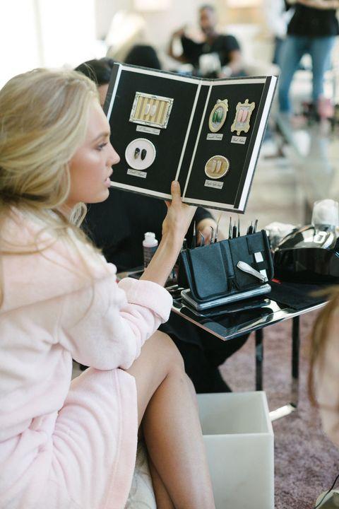Street fashion, Blond, Reading, Publication, Layered hair,