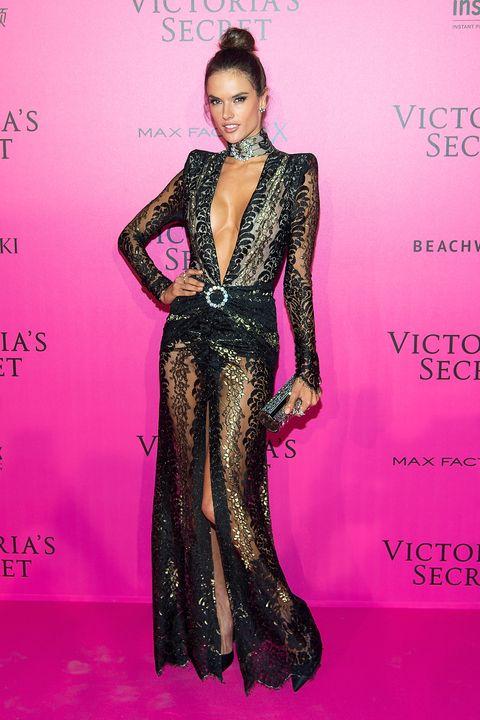 Alessandra Ambrosio Wears a New Take on JLo\'s Iconic Grammys Dress