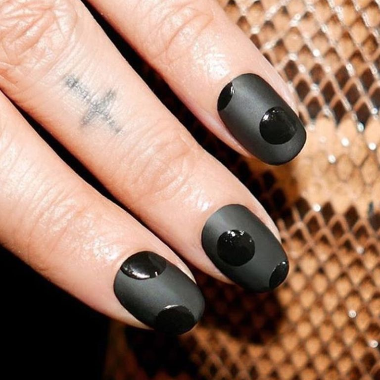 15 cute winter nail art ideas best nail designs for winter 2016 2017 spot on prinsesfo Gallery