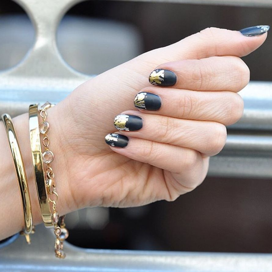 """<p>Brighten up a matte black base with imperfectly placed gold foil.</p><p><a href=""""https://www.instagram.com/p/BA28KzAmsA9/?taken-by=paintboxnails&amp&#x3B;hl=en"""" target=""""_blank"""" data-tracking-id=""""recirc-text-link"""">@paintboxnails</a></p>"""