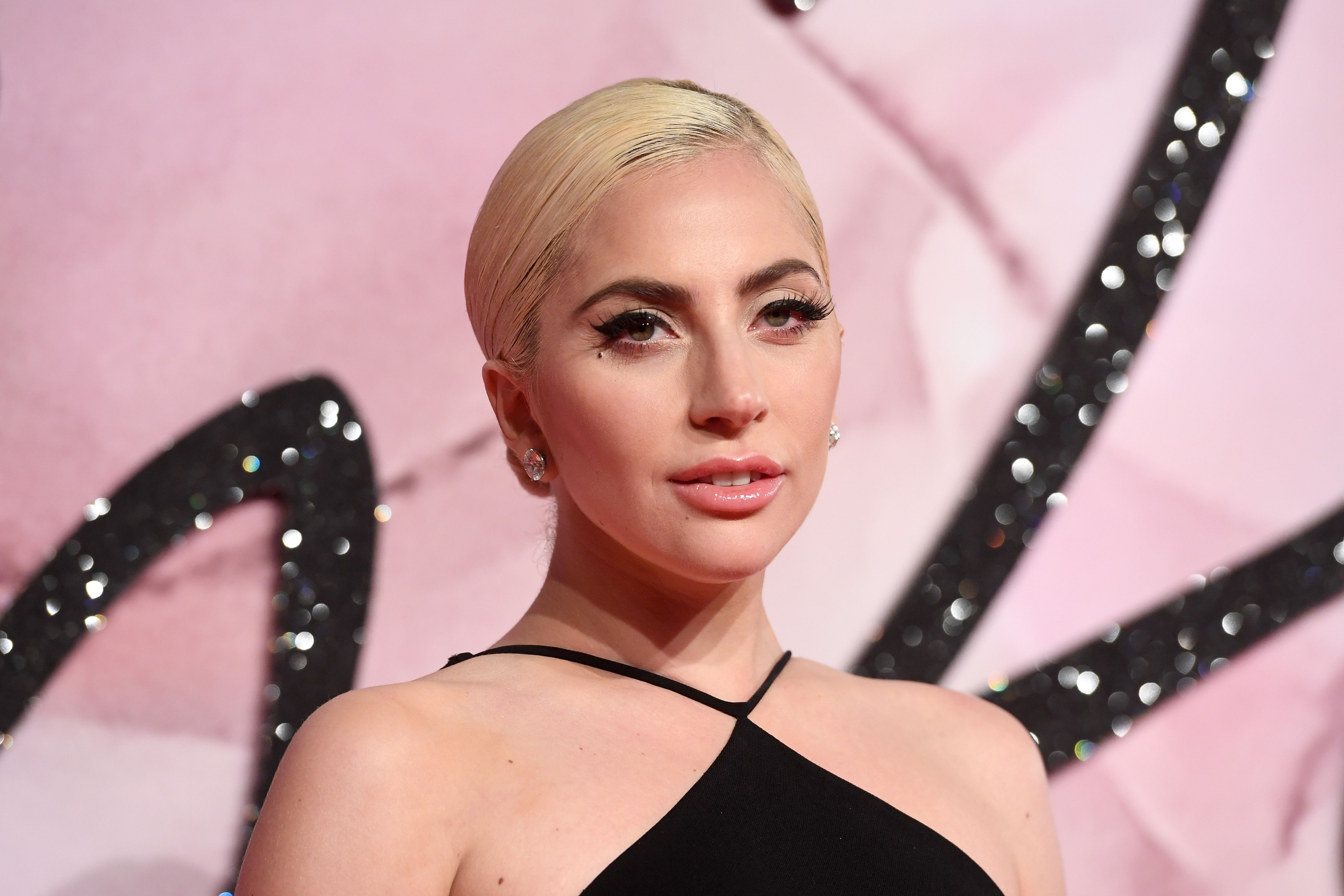 Watch You Seriously Need to See Lady Gaga's No-MakeupSelfie video