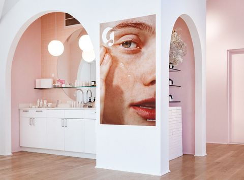 d5a0e645016 Glossier Opens Their First Store - Glossier Beauty Showroom in NYC