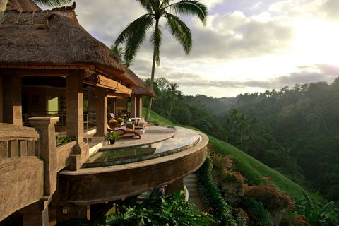 <p>Bali is the perfect blend of relaxing beachside escape and exotic tropics. Here, the resorts have a unique way of blurring the line between architecture and landscape, which means your villa pool might feel as though it extends into the aquamarine ocean, and your balcony terrace as if it blends into the lush green mountainside. </p>