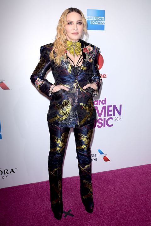 Style, Fashion model, Purple, Fashion, Violet, Waist, Carpet, Fashion design, Blond, Model,