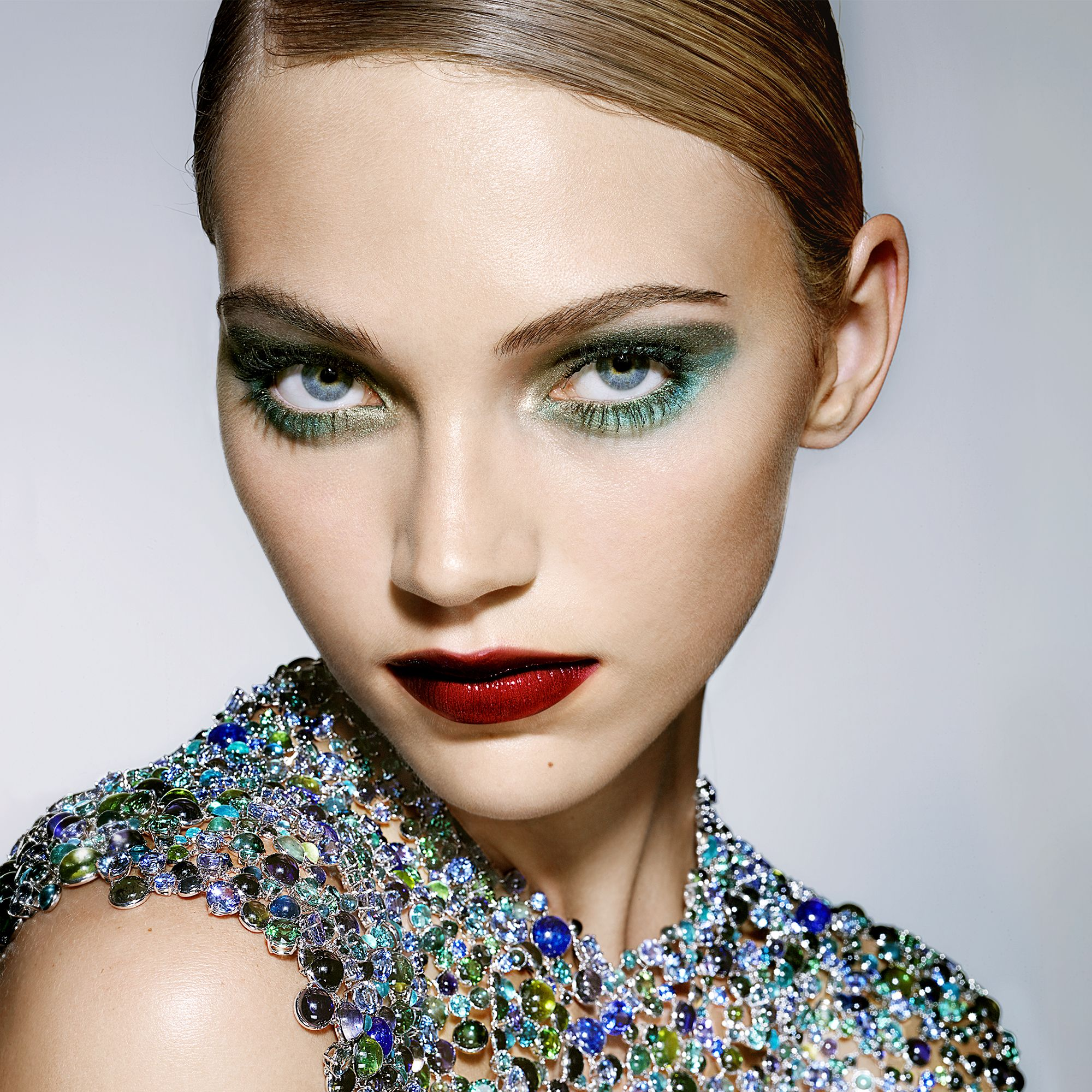 """<p><strong data-redactor-tag=""""strong"""" data-verified=""""redactor"""">BEAUTY BAZAAR:</strong> Update a smoky eye with beautiful blues. Try <a href=""""http://www.ulta.com/eyeshadow-quads?productId=xlsImpprod11851101"""" target=""""_blank"""" data-tracking-id=""""recirc-text-link"""">CoverGirl Eye Shadow Quad in Breathtaking Blues</a> ($8). </p><p><strong data-redactor-tag=""""strong"""" data-verified=""""redactor"""">Tiffany &amp&#x3B; Co.</strong> necklace, $1,280,000, 800-843-3269. </p>"""