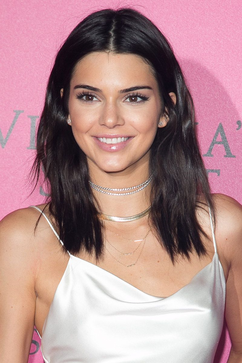 33 best medium hairstyles celebrities with shoulder length haircuts urmus Choice Image