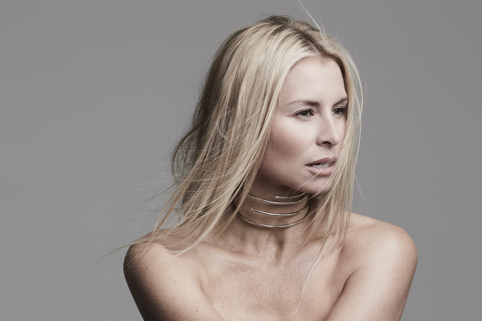Watch Niki Taylor Says Its Stylish to Give Blood this Summer video