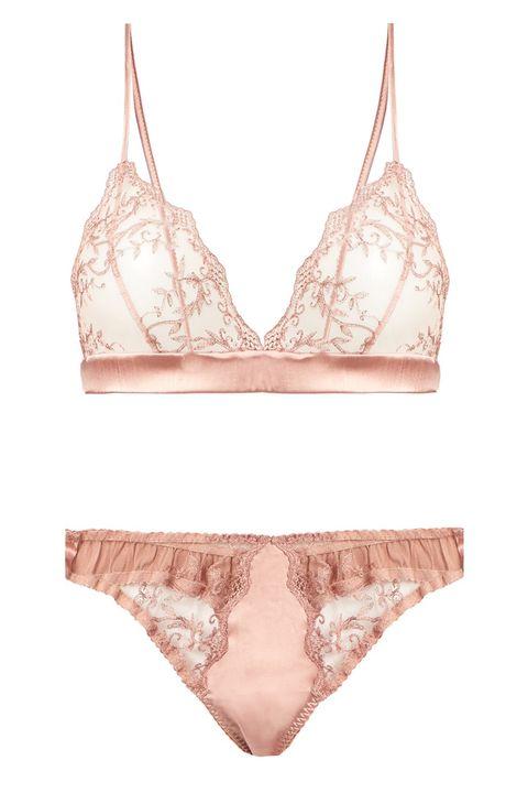 Product, White, Undergarment, Bag, Shoulder bag, Swimsuit bottom, Swimwear, Lingerie, Beige, Brassiere,