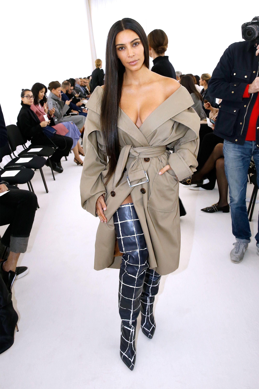 Hasil gambar untuk kim-kardashian-gives-khloe-fashion-makeover