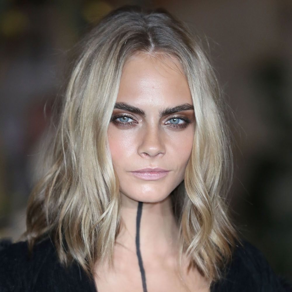 LONDON, ENGLAND - SEPTEMBER 19:  Cara Delevingne attends the Burberry show during London Fashion Week Spring/Summer collections 2016/2017 on September 19, 2016 in London, United Kingdom.  (Photo by Mike Marsland/Mike Marsland/WireImage)