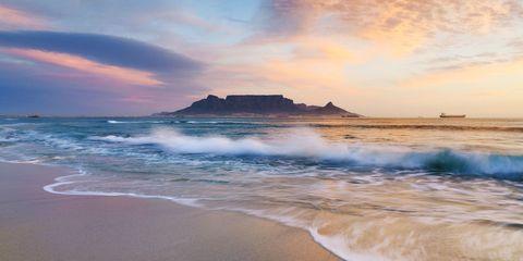 Coastal and oceanic landforms, Coast, Shore, Ocean, Horizon, Beach, Wave, Hill, Sand, Dusk,