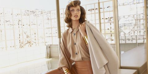Collar, Sleeve, Dress shirt, Outerwear, Coat, Blazer, Fashion, Street fashion, Bag, Jacket,