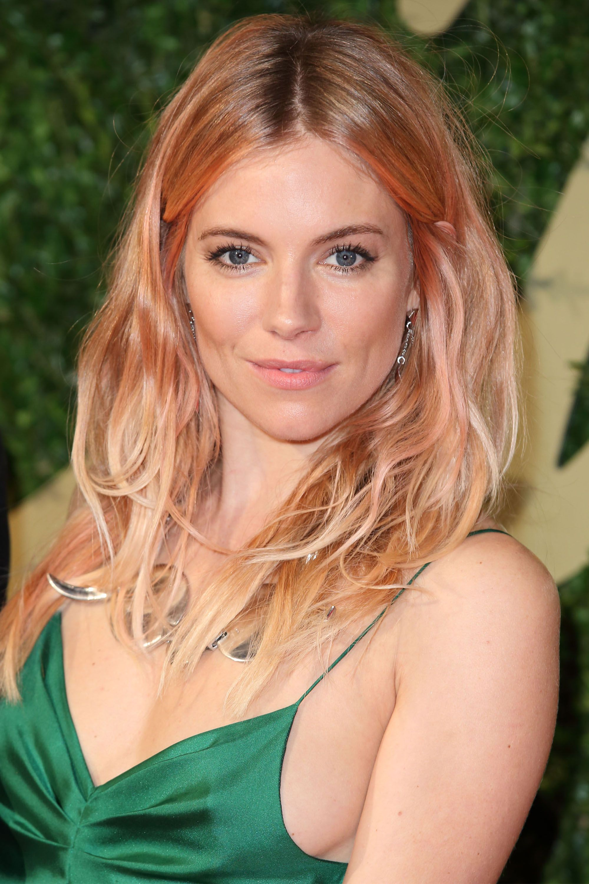 "<p>Sienna Miller shows off her rock n' roll side with a rose gold hue heavier at the crown. ""It brightens up her face to the point where she needs minimal makeup,"" says Brown.&nbsp&#x3B;</p><p><span class=""redactor-invisible-space"" data-verified=""redactor"" data-redactor-tag=""span"" data-redactor-class=""redactor-invisible-space""></span></p>"