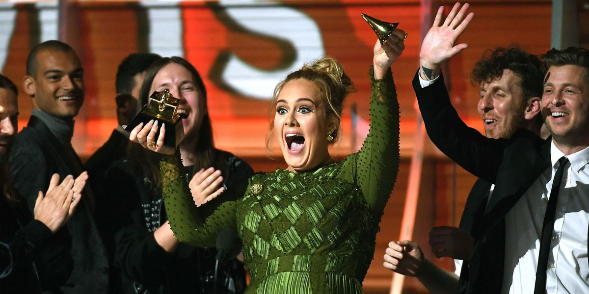 Kkw Crystal Gardenia Review >> Adele Broke Her Grammy in Half So She Could Share It with Beyoncé - Adele Breaks Grammy Award ...