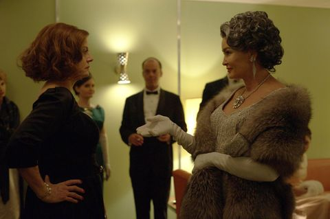 Susan Sarandon and Jessica Lanage in Feud: Bette and Joan