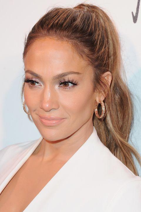 20 new ways to wear a ponytail best celebrity ponytails - Peinados fiesta faciles ...